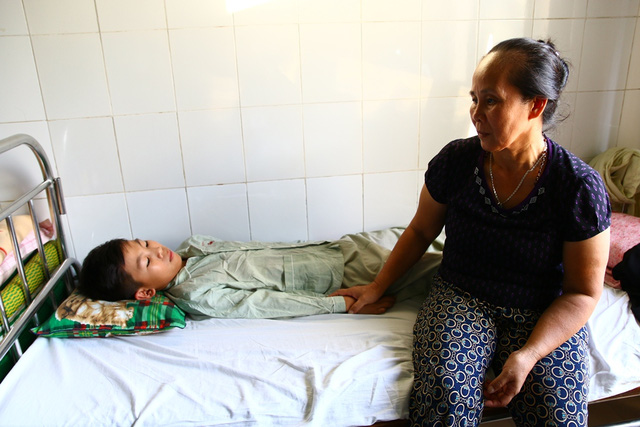 đột tử lúc đang ngủ, bệnh đột tử, mẹ có 4 con trai chết