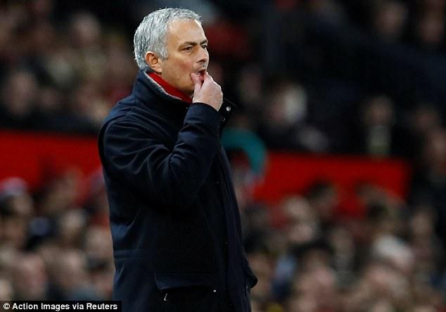 Mourinho tiếp tục đổ lỗi cho thần may mắn