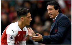 Unai Emery phát biểu về Mesut Ozil