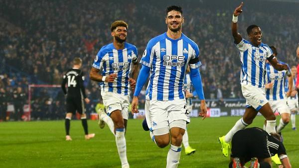 kết quả bóng đá hôm nay Huddersfield có chiến thắng đầu tiên của mùa giải