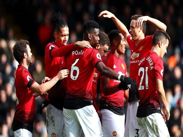Thắng đậm Fulham 3-0, MU lọt vào top 4 Ngoại hạng Anh