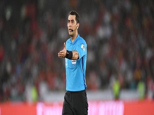 Trọng tài cầm còi chung kết Asian Cup 2019 là ai?