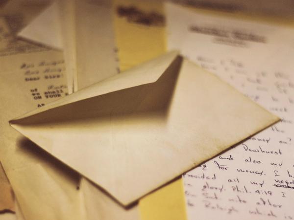 Nằm mơ thấy lá thư có điềm báo tốt hay xấu?