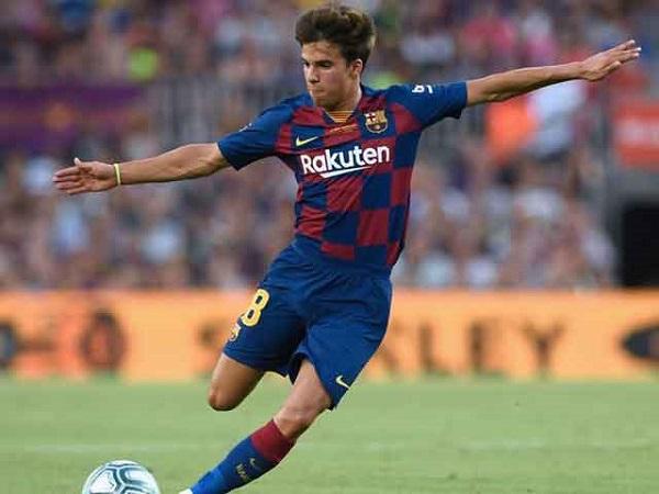 """Barca trình làng """"tiểu Iniesta"""": Dáng dấp Messi đâu đó"""