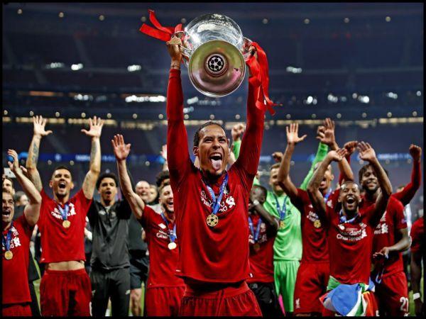 Van Dijk là cầu thủ hưởng lương cao nhất lịch sử Liverpool