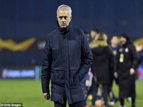 Tin thể thao 19/3: CĐV Tottenham tức giận đòi sa thải Mourinho