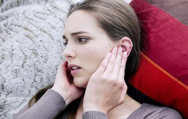 Ngứa tai trái, ngứa tai phải điềm báo gì lành hay dữ?
